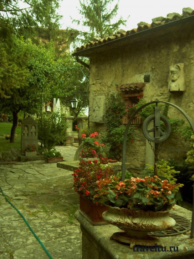 Свободная Республика Сан-Марино. Сан Марино. Дворик-001