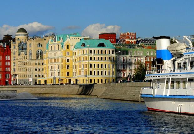 Где можно отдохнуть в Москве. Речной трамвайчик на Москва-реке 2