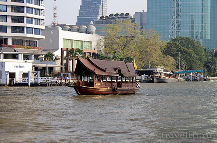 Храм Лежащего Будды, Ват Арун и река Чао Прайя на речном трамвае. Кораблик