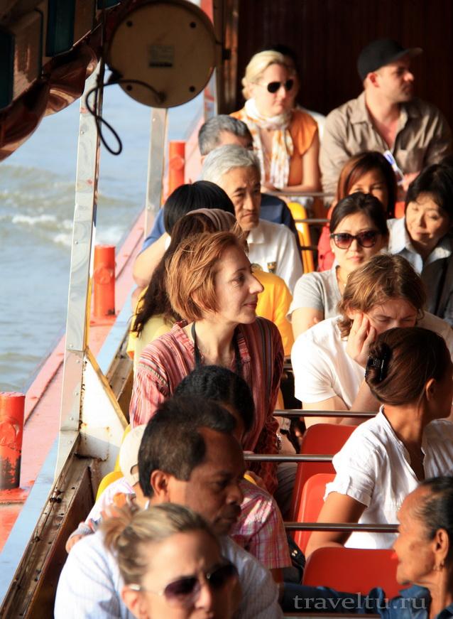 Храм Лежащего Будды, Ват Арун и река Чао Прайя на речном трамвае. Наблюдения