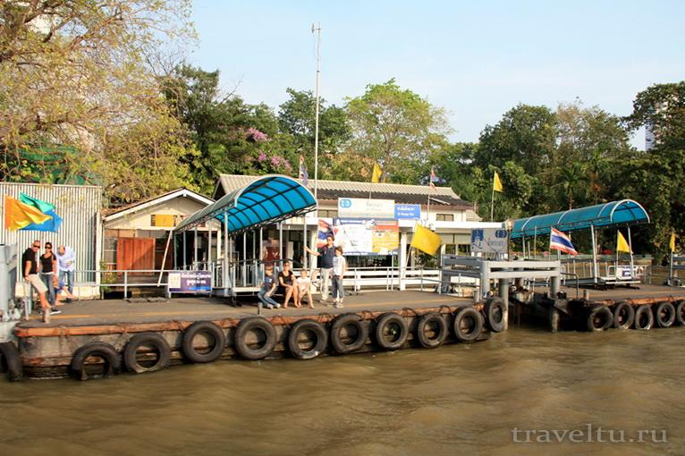 Храм Лежащего Будды, Ват Арун и река Чао Прайя на речном трамвае. Станция