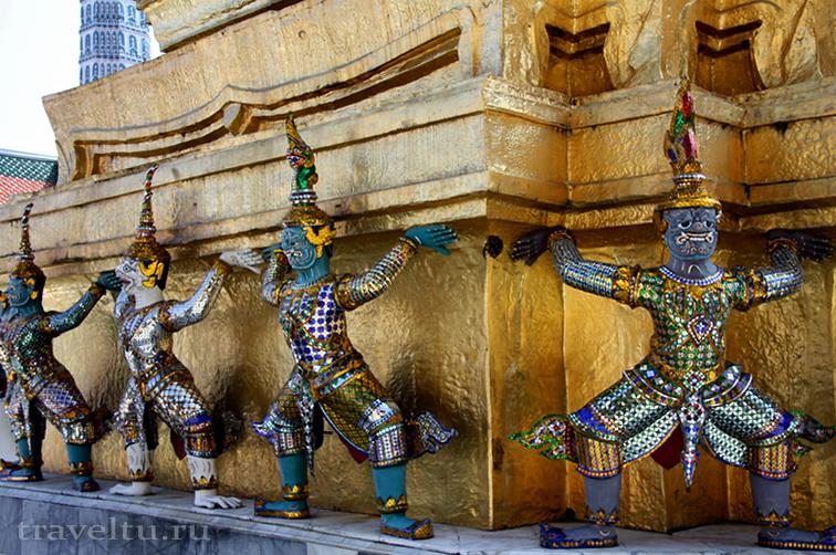 Королевский Дворец в Бангкоке и храм Изумрудного Будды. На территории Дворца