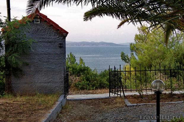 Греция. Полуостров Кассандра отель Alexsandros apartments Выход к морю