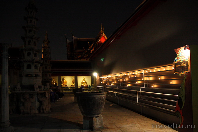 Тайские танцы.Храм Ват По. Скульптура тысячи Будд