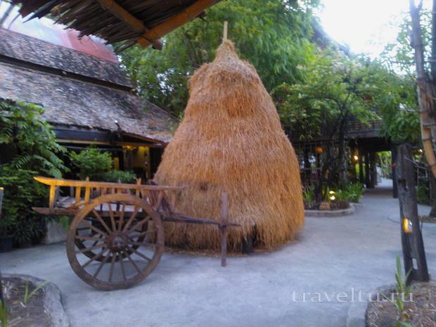 Сиам Нирамит. Тайская деревня