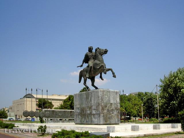 Салоники Греция. Памятник Александру Македонскому