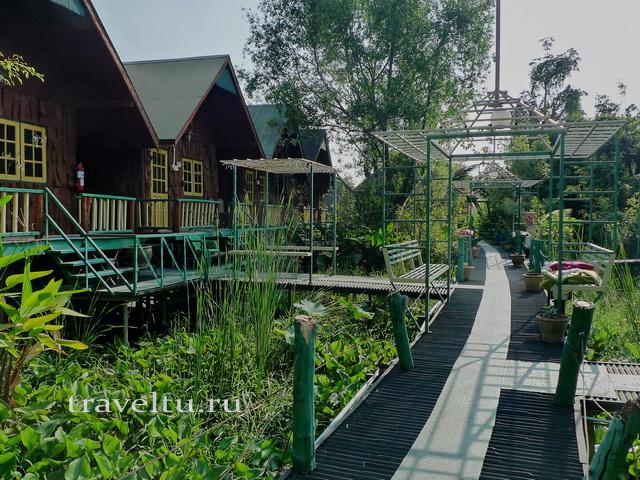 Таиланд. Гестхаус в Канчанабури. Дорожка