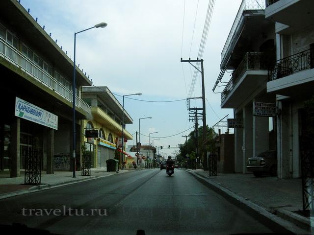 Городская дорога днём