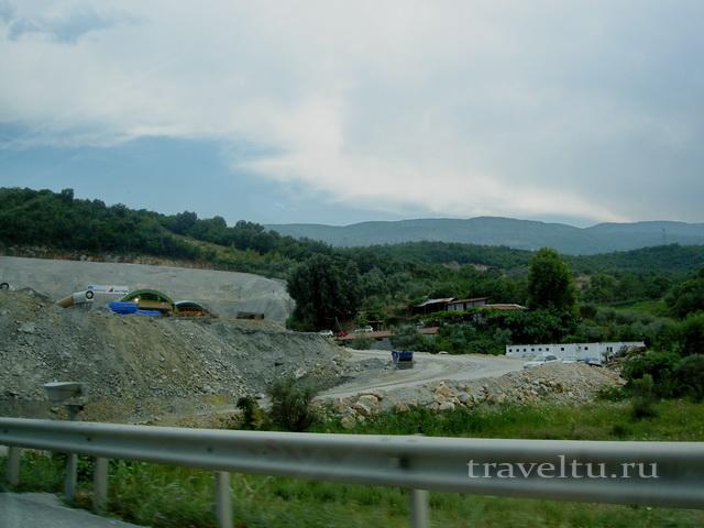 Строительство тоннеля на автостраде