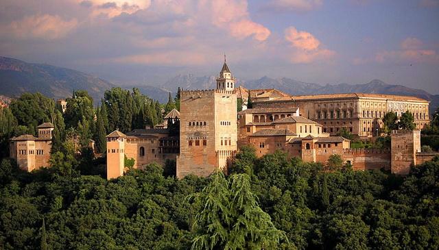 Десять самых романтичных мест Европы. Крепость Альгамбра. Гранада