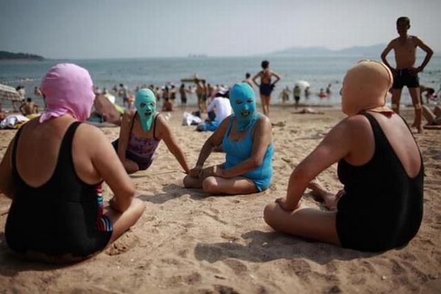 Как выбрать солнцезащитный крем. Китаянки в масках
