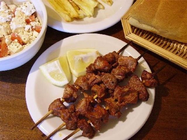 Еда в Греции.Греческие блюда. Сувлаки. Σουβλάκι