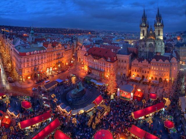 Куда поехать в Декабре На Рождество в Европу. Рождественская площадь