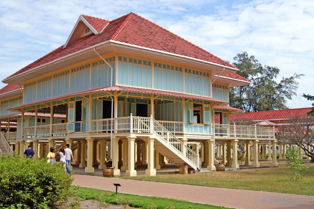 Дворец Пра Ратчанивет Мригадаяван