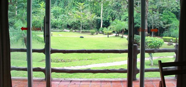 Таиланд. Национальный парк Эраван. Отзыв об отеле Вид из окна отеля