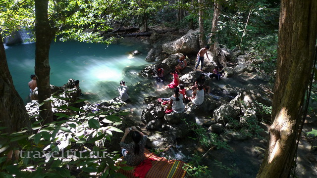 Водопад Эраван. Таиланд. Водопад люди