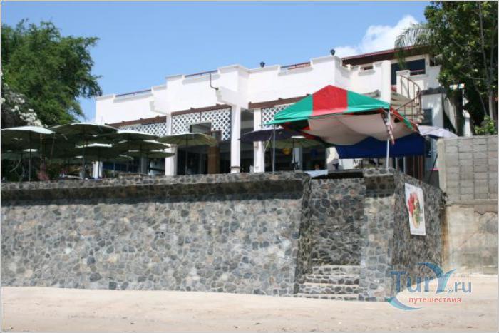 Отель в Ча-аме. Таиланд. 1 этаж Отлель вид с моря на кафе