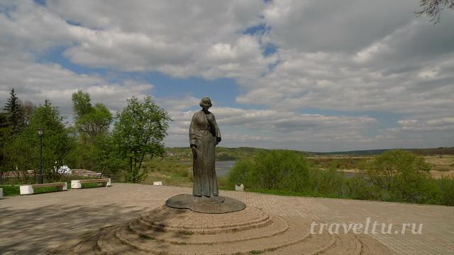 Таруса. Памятник Цветаевой