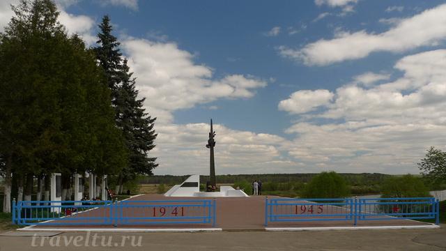 Таруса. Памятник тарусянам