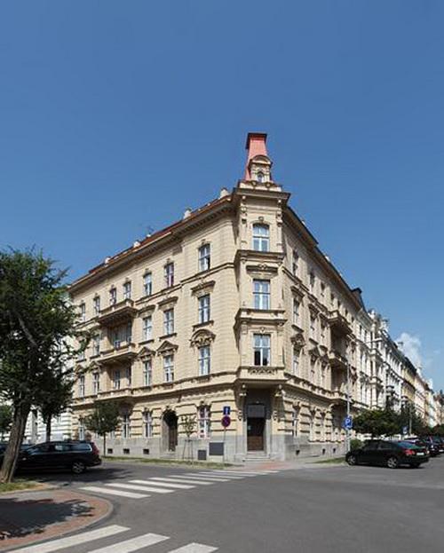 Отель Antik Apartments