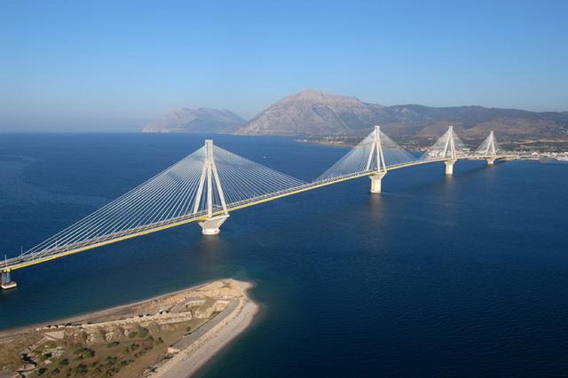 Рио-Антирио. Мост через Коринфский залив