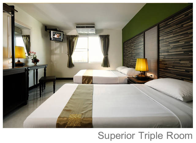 Отель Rambuttri Village superior triple room