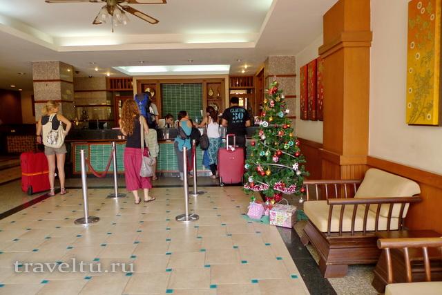 Ресепшн в отеле Rambuttri Village Plaza