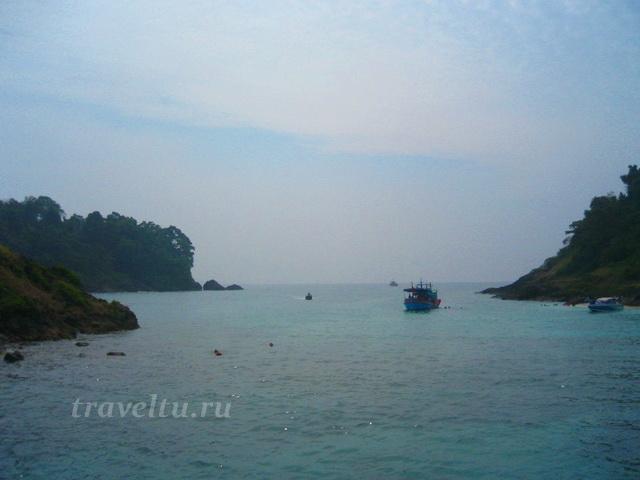 Бигбот среди  островов