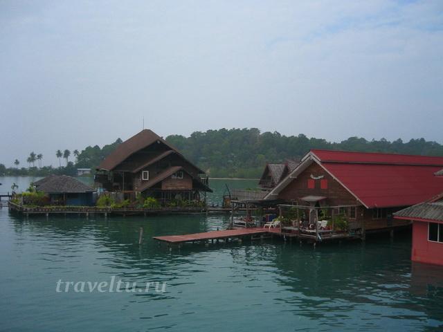 Бунгало в рыбацкой деревне Банг Бао