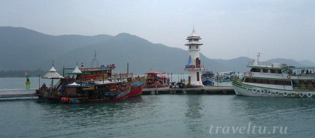 Маяк в рыбацкой деревне Банг Бао