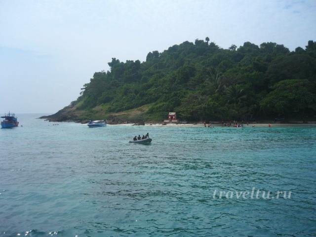 Пляж на маленьком острове