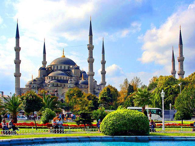 Куда поехать отдыхать на майские. Турция Стамбул