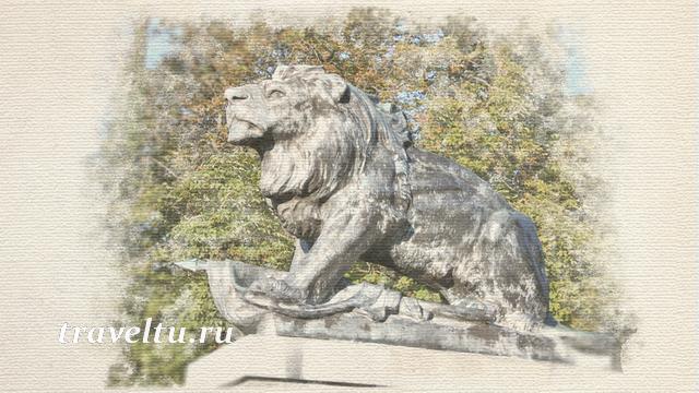 Крепость Шлоссберг. Памятник Доблести (защитникам города)