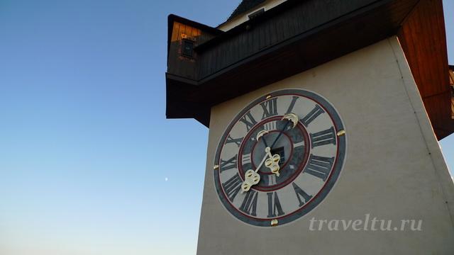 Часовая башня циферблат