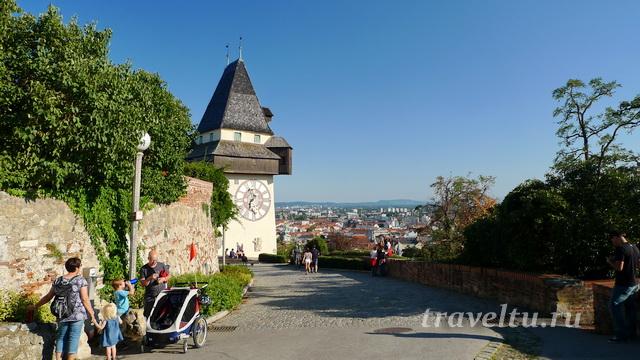 Часовая башня в замке Шлоссберг