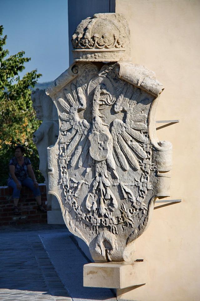 Герб на Часовой башне