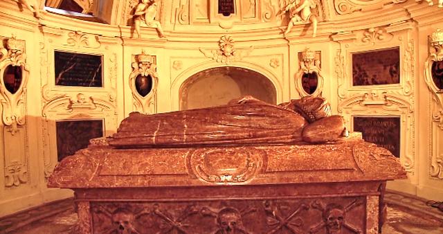 Мавзолей-Фердинанда-II-в-Граце 6