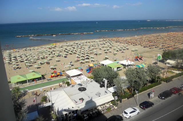 Пляж Визерба Viserba