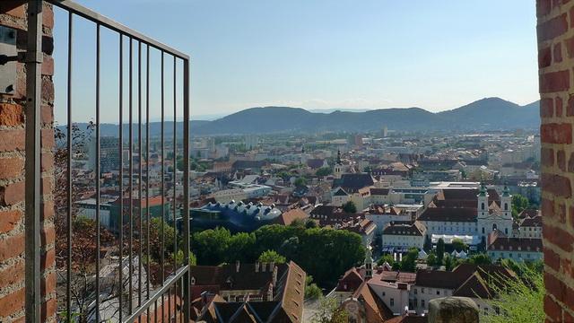 Вид на Грац из крепости