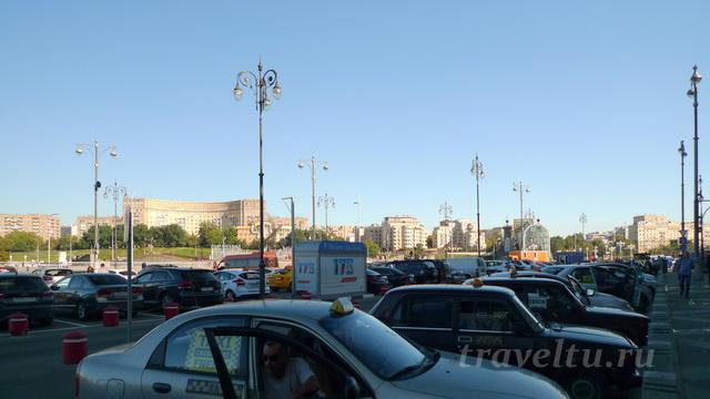 Киевский вокзал площадь