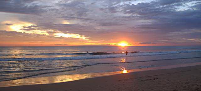 пляж хиккадува закат