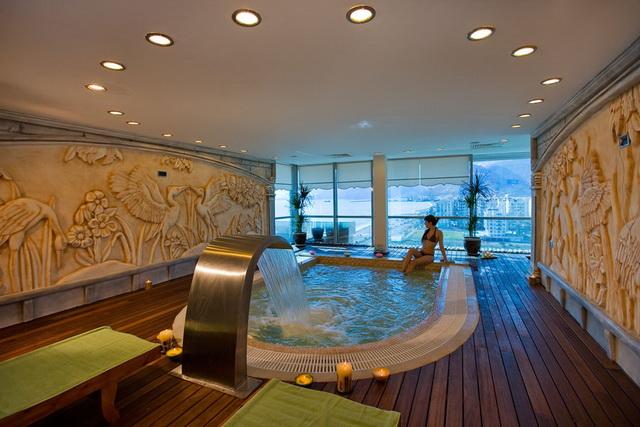Отель Crowne Plaza Antalya