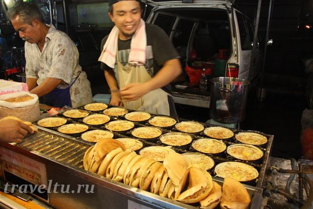 Вкусняшки на ночном рынке в Мелакке