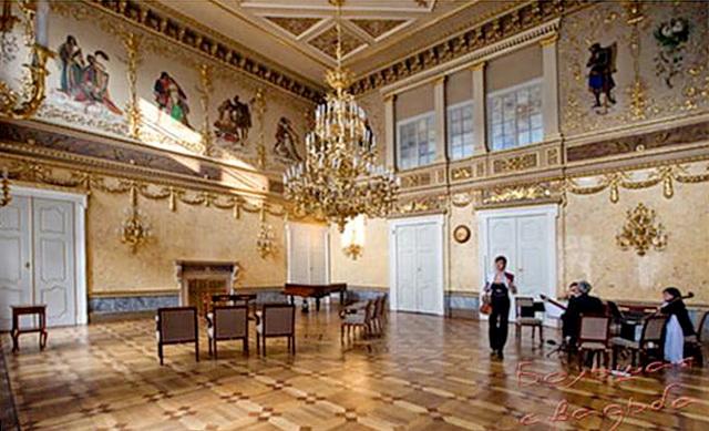 Дворец Кинских в Праге интерьер
