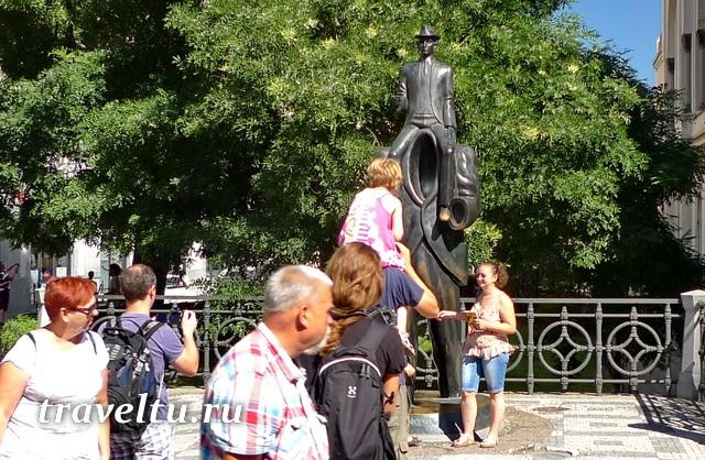 Памятник Ф. Кафке на Староместской площади