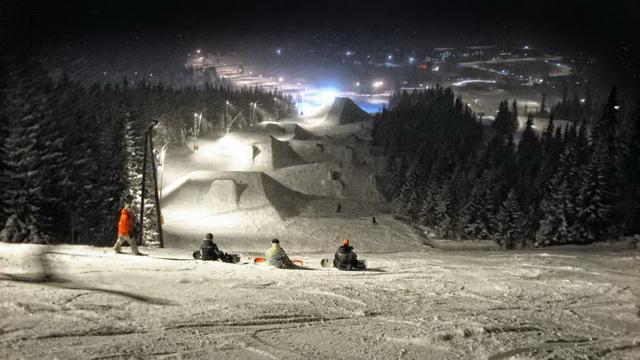 катания не горных лыжах ночью
