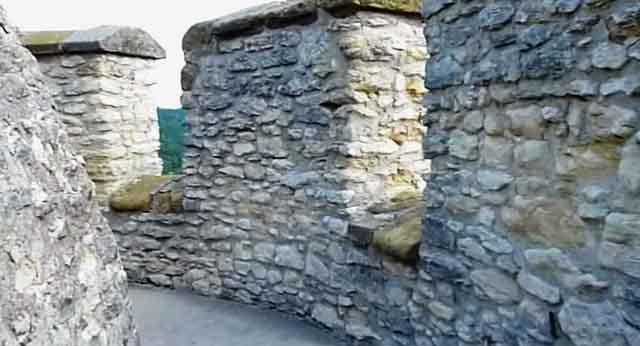 Бойницы башни