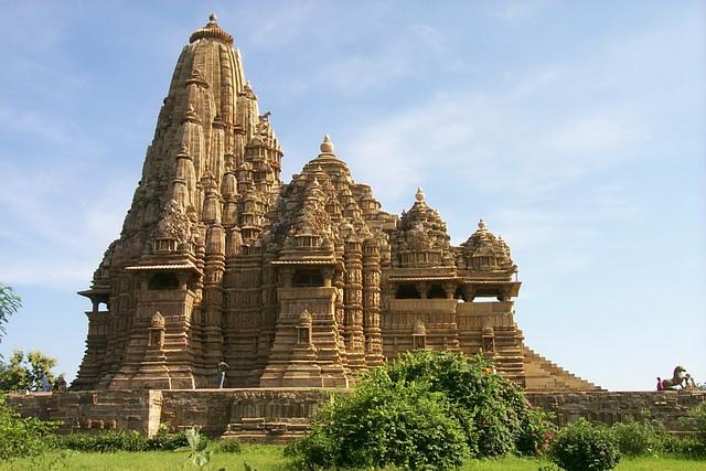 Храм Кандарья Махадева