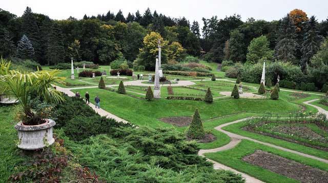 Парк на территории замка