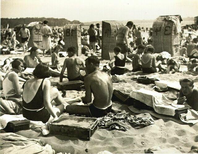 Пляж на озере Ванзее 1932 год